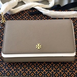 New Authentic Tory Burch Emerson Chain Wallet